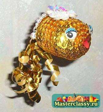 Да и поделки из киндер яиц всегда получаются яркими, красочными и немного по-детски наивными.  Вот почему в детских...
