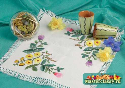 Цветочки вышивка бисером очень похожа по технологии вышивки нитками.  Цветовая палитра бисеринок также должна быть...