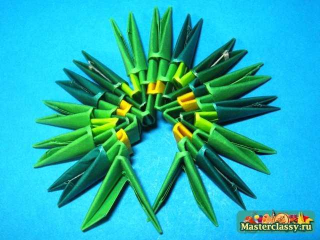 Модульное оригами.  Лилия.  Мастер-класс.  Лист лилии 4 ряд.