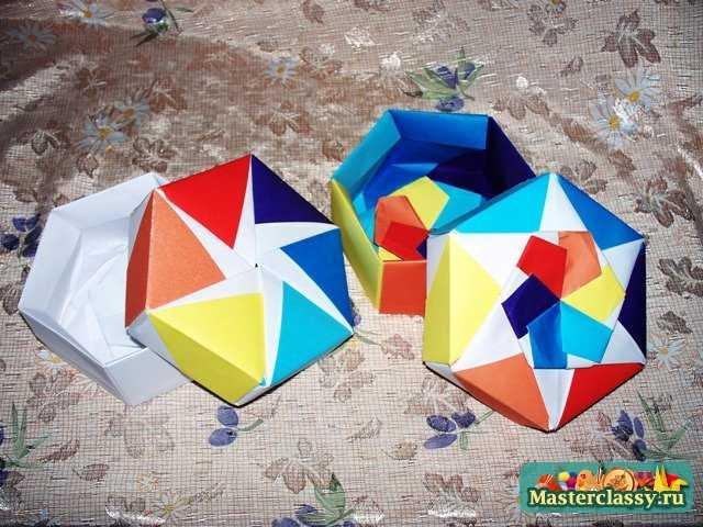 помощью техники оригами не
