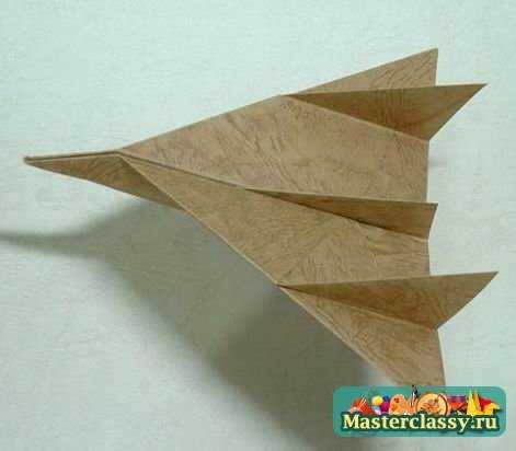 Самолет из бумаги