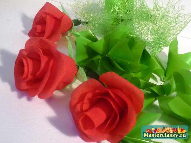 декупаж бутылки с розами из бумаги