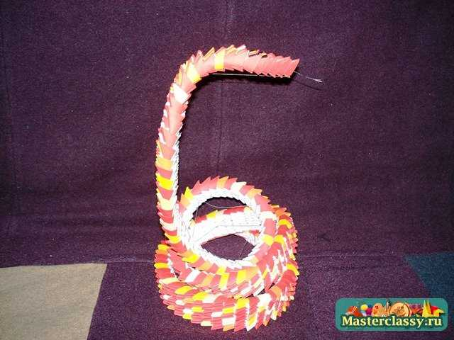 Модульная очковая змея Кобра