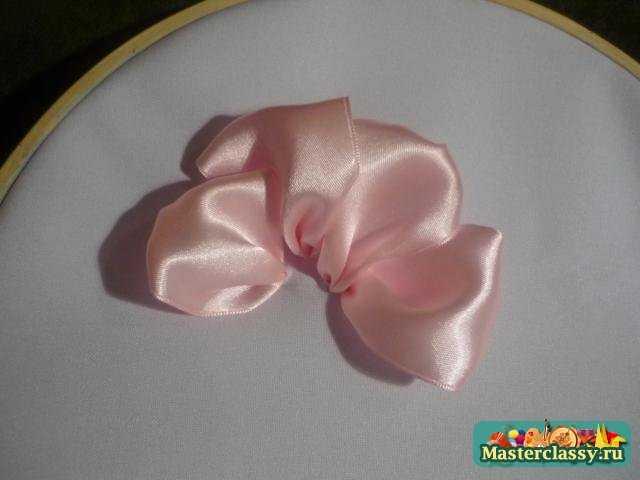 Вышивка лентами роза.
