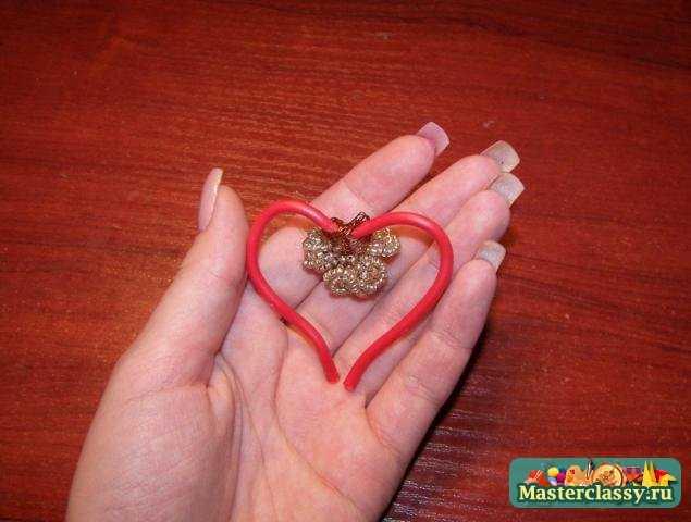 украшения из бисера.  Магнит - сердце из фиалок.