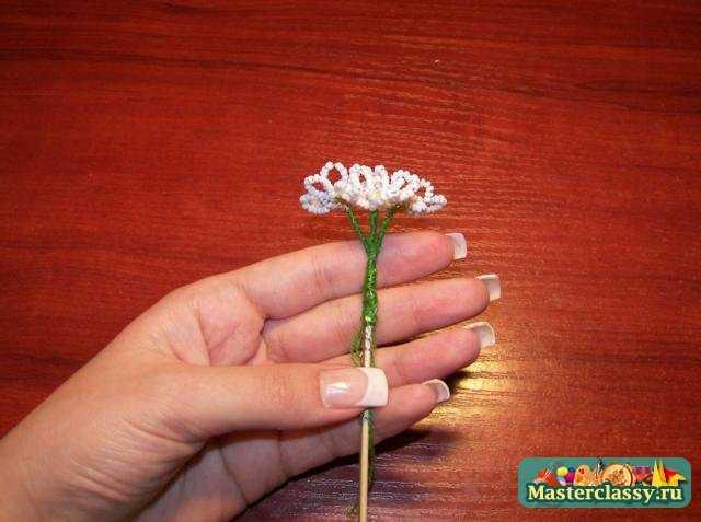 бисероплетение цветов ромашка и лилия мастер класс
