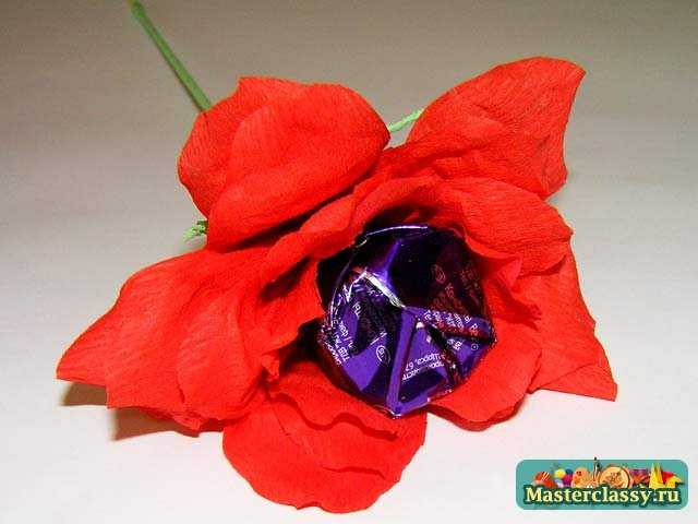 Цветы из конфет. Красная роза. Мастер класс