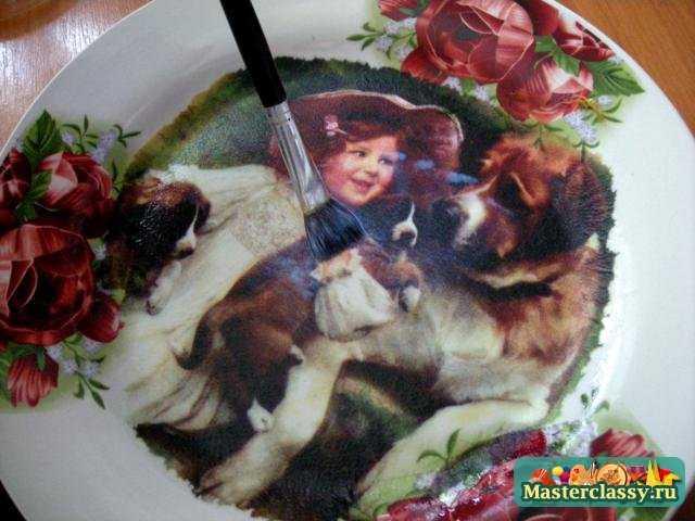 Декупаж тарелки с эффектом бронзы. Мастер класс