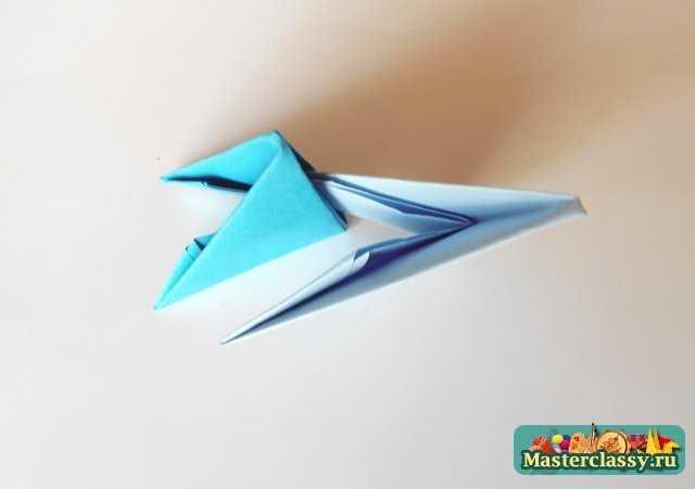 Выполняя сборку модулей, по вышеуказанной схеме получаем готовое крылышко, которое немного выгибаем.