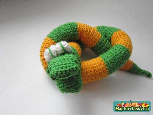 Игрушка Вязание крючком: Вязаный змей Пряжа День защиты детей.