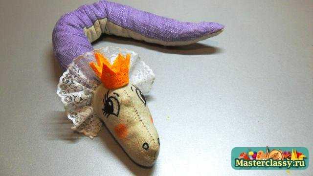 Змея 2013 своими руками.  Мастер класс по шитью.