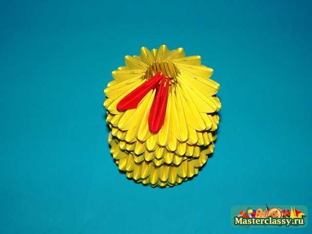 Сборка туловища и головы цыпленка оригами.  Модульное оригами цыпленок с бантиком.  Мастер класс с пошаговыми фото.