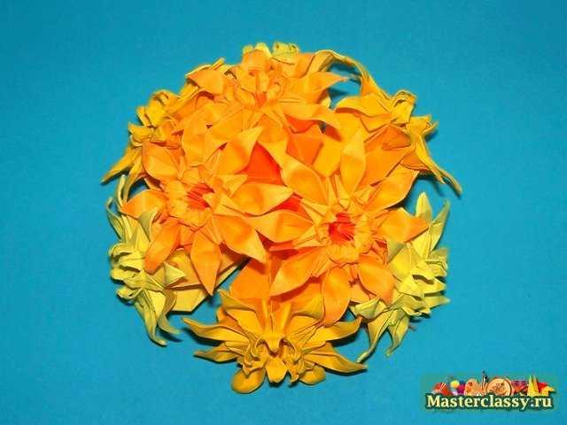 Безусловно, цветы из бумаги (в