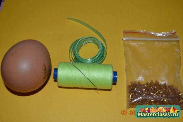 Яйца украшенные бисером мастер класс с фото #3