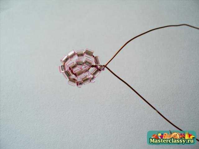 Цветы из бисера фиалка нежно розовая