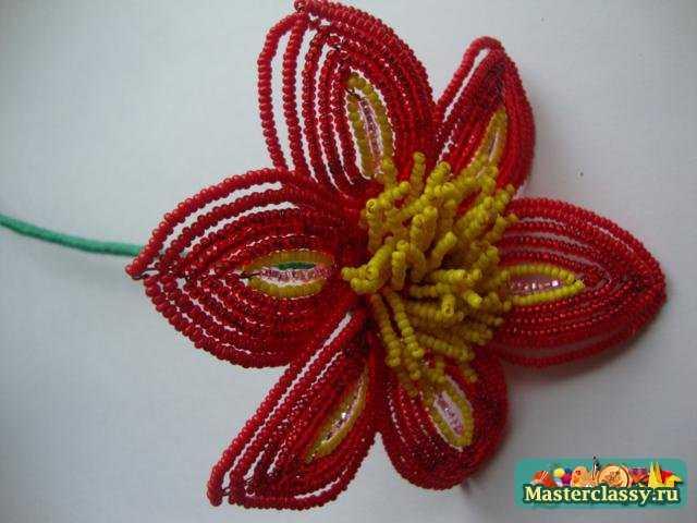 Цветы из бисера Клематис Мастер класс с пошаговыми фото.