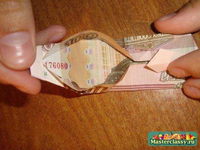 Приступаем к работе с оригами поделкой по схеме.