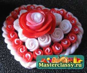 Сердце с розами из полимерной глины. Мастер класс с пошаговыми фото