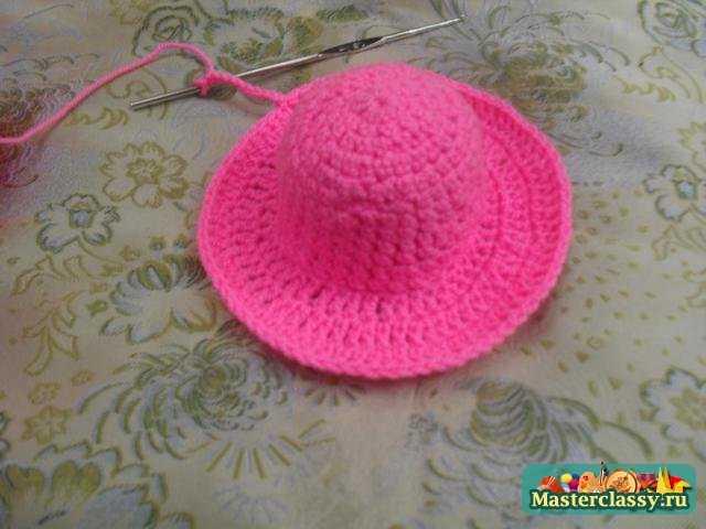 Игольница шляпка вязаная.