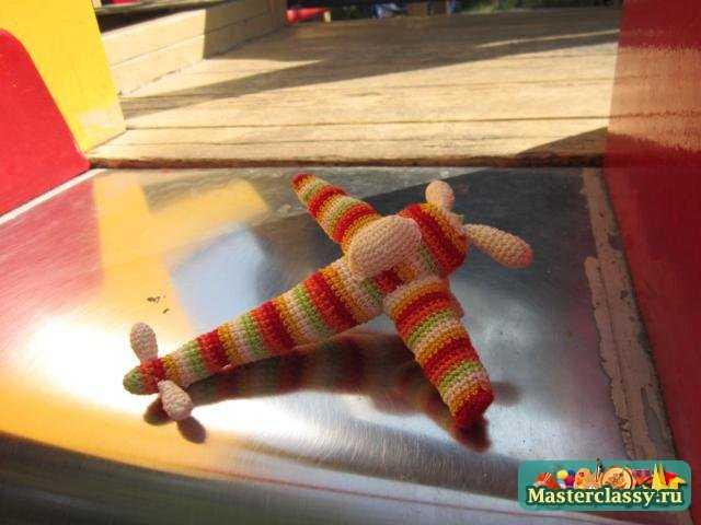Вязаные игрушки. Радужный самолет. Мастер класс с пошаговыми фото