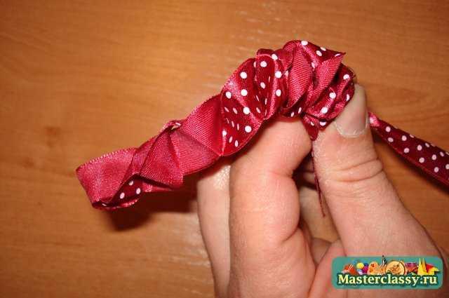 Роза из тонкой атласной ленты своими руками
