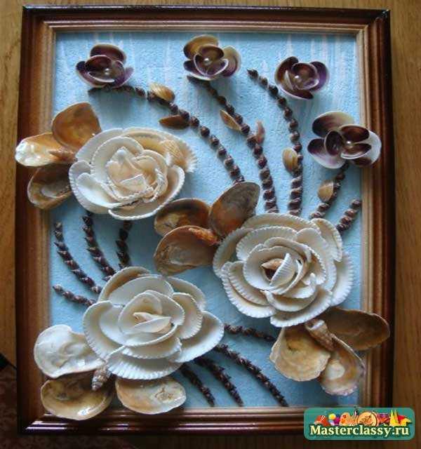 Цветок из длинных ракушек делается