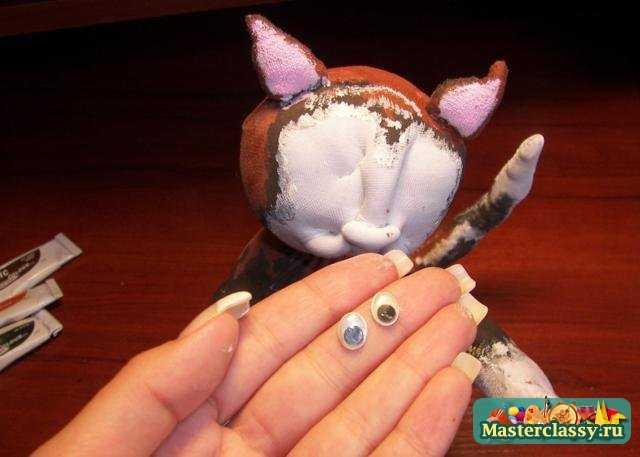 Игрушки из капроновых колготок. Мартовский кот. Мастер класс с пошаговыми фото