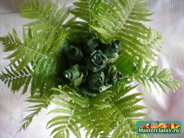 Букет из листьев клена и