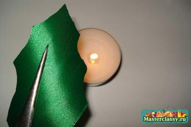 Изготовить вКак сделать листочки из атласных лент