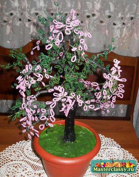 Цветущее дерево из бисера