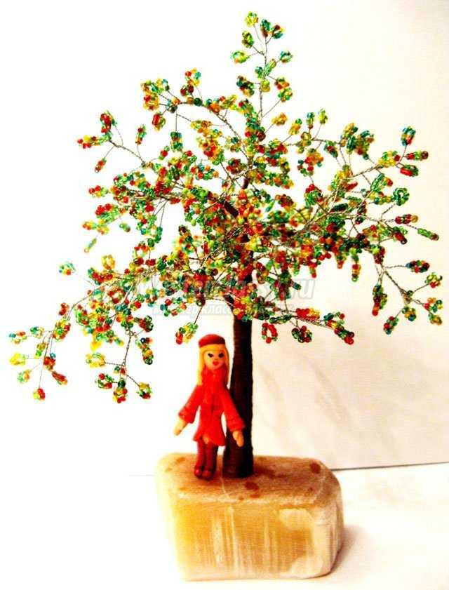 Красивое осеннее дерево из бисера. Мастер класс с пошаговыми фото