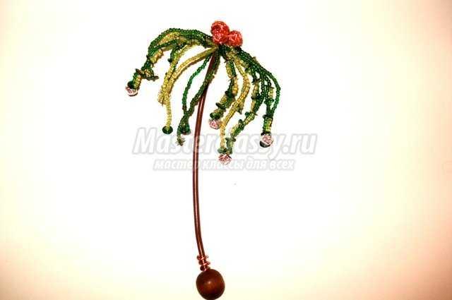 Вот как будет выглядеть пальма из бисера, если перекрутить между собой каждую пару одиноких веточек.