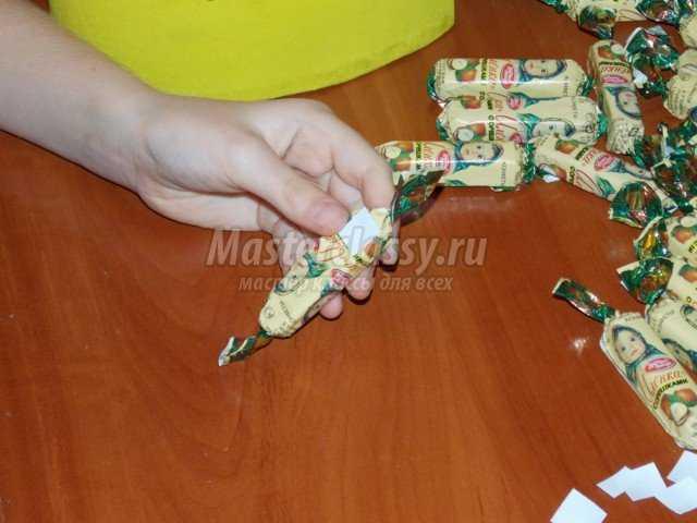 Подарок из конфет на День Матери. Мастер класс с пошаговыми фото
