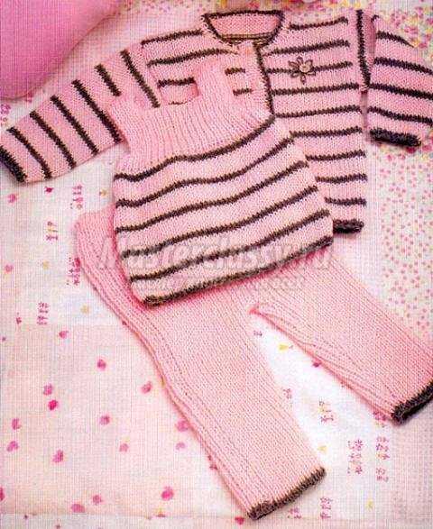 Розовый комплект тройка для девочки спицами