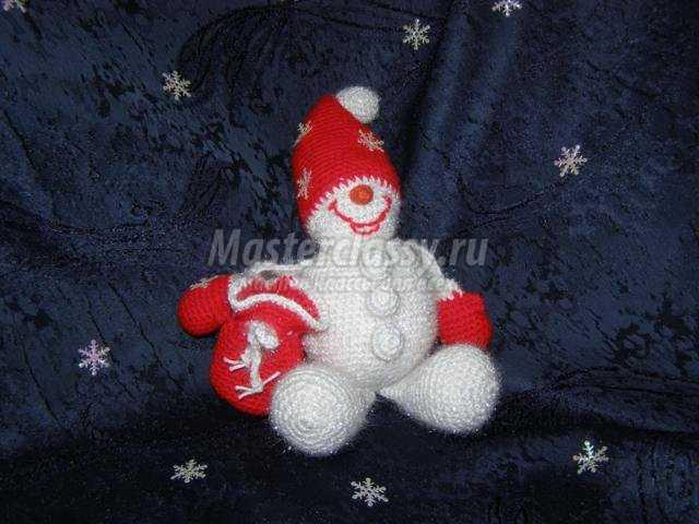 снеговик, вязанный крючком. Мастер класс