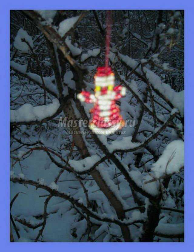 """Мастер классы  """" Бисероплетение  """" Декорации из бисера  """" Дед Мороз из бисера.  Мастер класс с пошаговым фото Источник."""