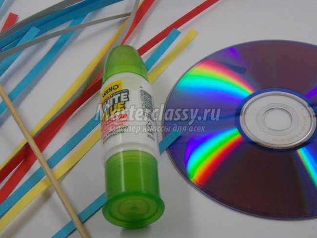 Квиллинг на диске. Елочный шар