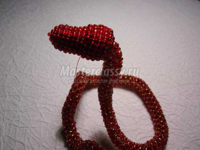 змея из бисера фото