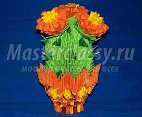 Цветущий кактус из бисера фото