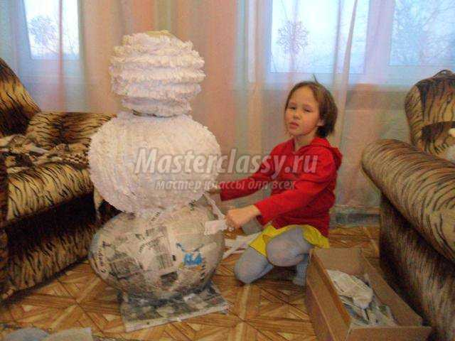 Как сделать снеговика из гофрированной бумаги своими руками