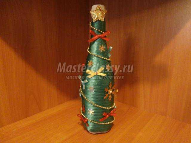 Новогодние елки из бутылки своими руками