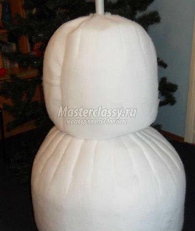 Большой снеговик из синтепона своими руками