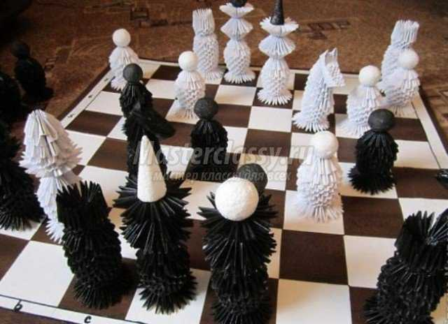 из фигур шахматной игры,