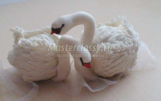 Лебеди из холодного фарфора