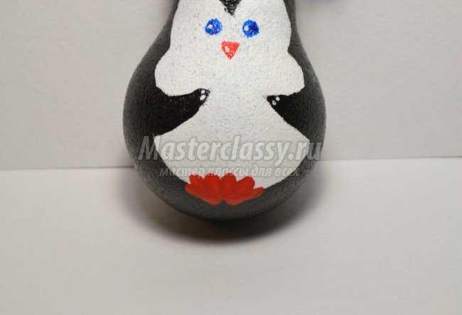 Как сделать пингвин из лампочки