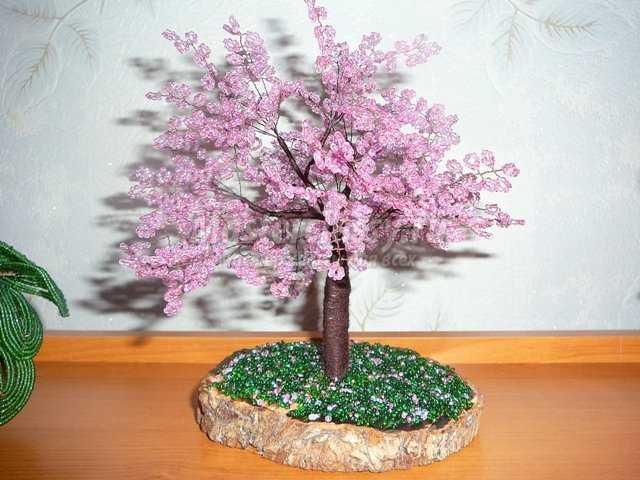 бабочка коробочка из бисера. чешский и японский бисер купить. вышивка бисером на воротнике. денежное дерево из бисера...