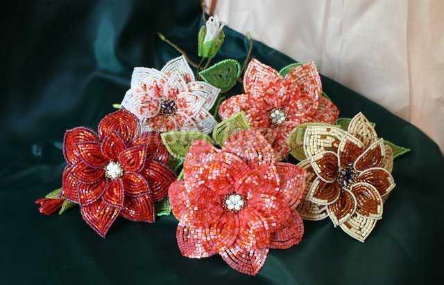 Цветы из бисера - мастер класс