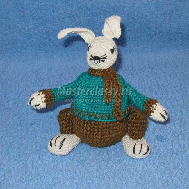 Вязание пасхального зайца с секретом крючком