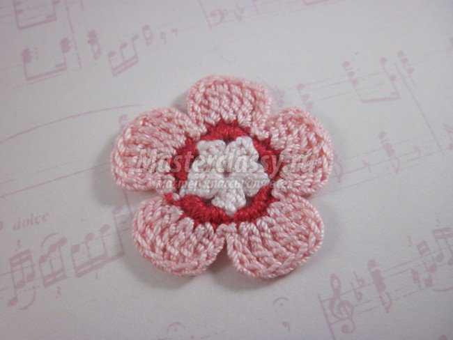 Вязание крючком. Цветок