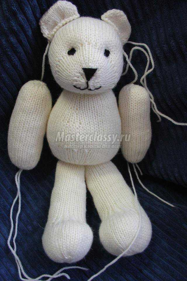 вязание спицами игрушек. Мишки